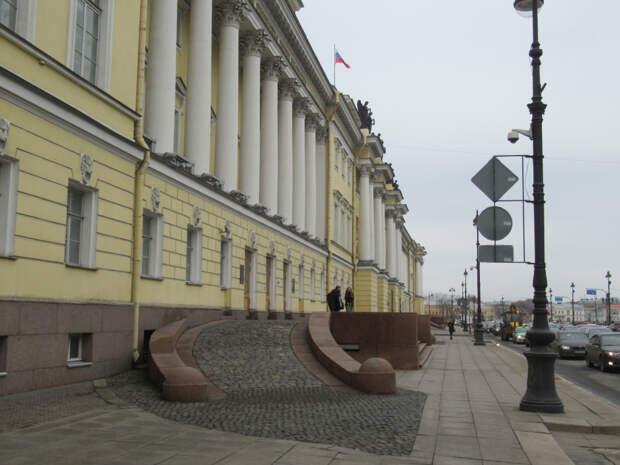 Санкт-Петербург. До настоящей весны осталось совсем немного