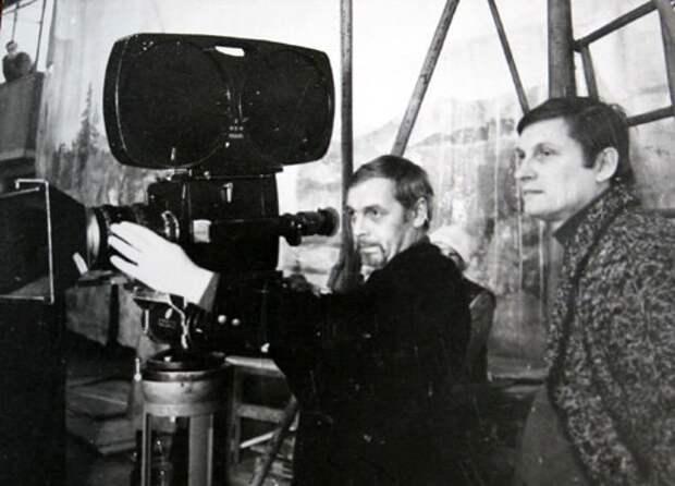 Режиссер любимых детских фильмов Леонид Нечаев за работой.