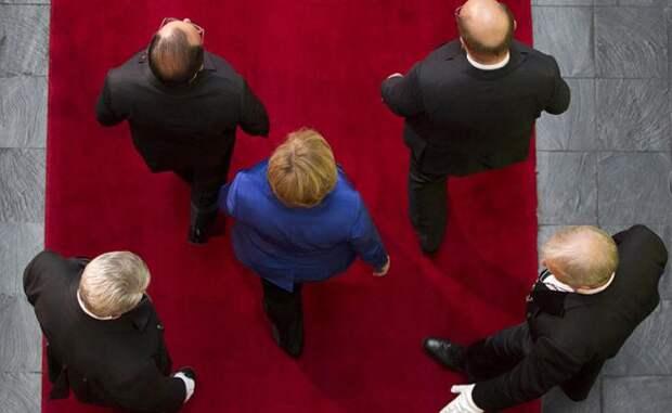 Европа вынуждена терпеть санкции против РФ из-за позиции Меркель — немецкие СМИ