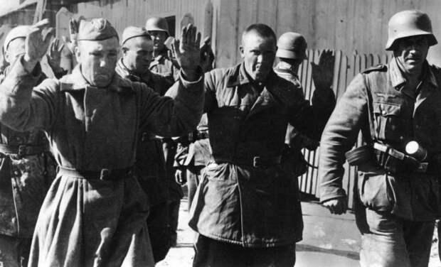 Сразу же переходили на сторону врага. Какие народности начинали сотрудничать с фашистами во время войны