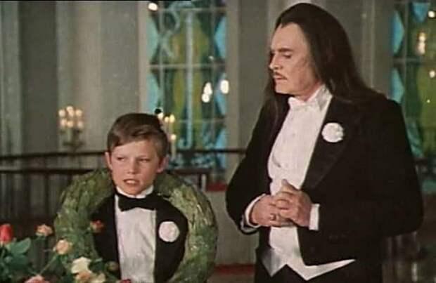 Кадр из фильма *Проданный смех*, 1981 | Фото: pressball.by