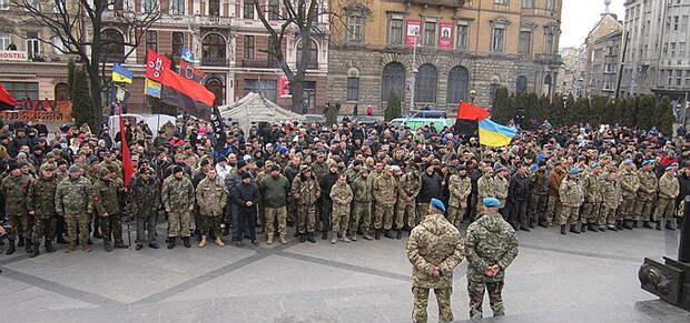 Во Львове анонсируют поход на Киев — расстреливать Порошенко и Верховную Раду