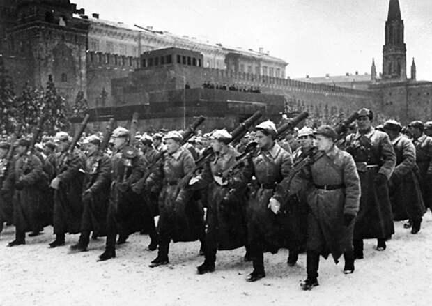 7 ноября 1941 года: первый Парад Победы