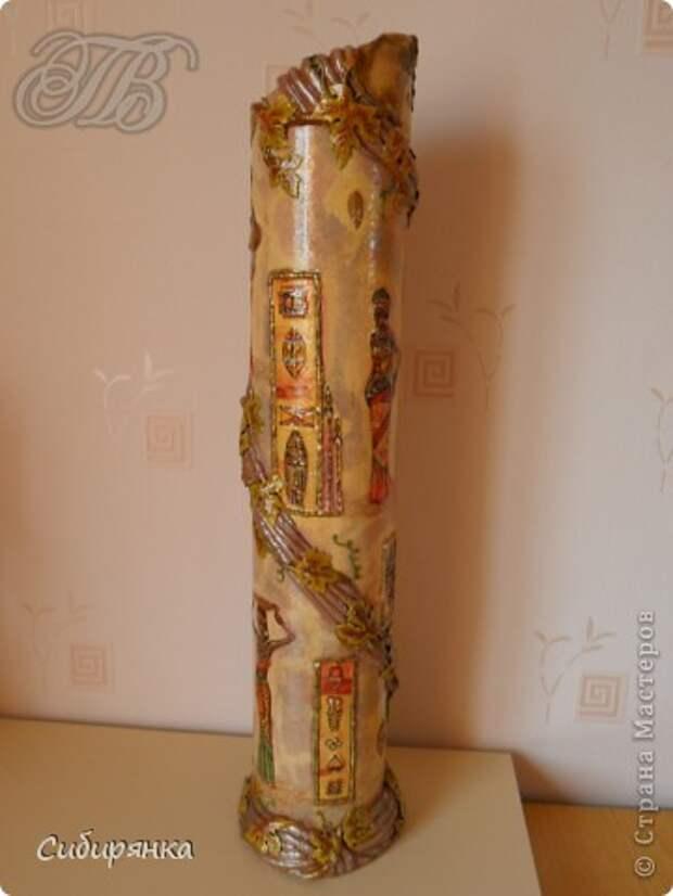 Приветствую жителей Страны Мастеров! Хочу показать вам мою поделку.  Делалась ваза долго, с большими перерывами. Высота сего сооружения 70 см. и диаметр 12см.  Материал использовала бросовый - это кусок от шпульки для линолиума, а так же  смесь гипса и безусадочной шпаклёвки,  холодный фарфор, салфетка всем известная и многими просто любимая, кракелюр на ПВА,  кракелюрная пара 753-754 для мелкого кракелюра, пара739-740 для крупного, пигмент золотой для затирки,  акриловые краски различных цветов, лак акриловый, на финиш лак паркетный.  Первые четыре фотографии, это вид со всех сторон. . Фото 4