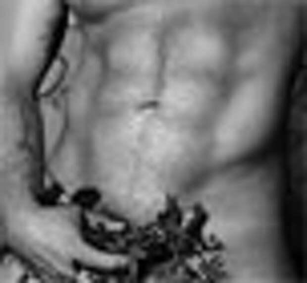 Регбисты обнажились ради женской груди