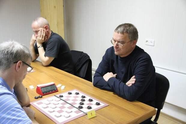 Семён Озеров из Симферополя взял «бронзу» онлайн-турнира по шашкам