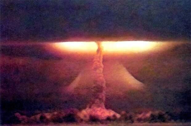 Облака смерти: испытания ядерного оружия в фотографиях