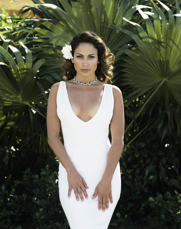 Дженнифер Лопес (Jennifer Lopez) в фотосессии Фируза Захеди (Firooz Zahedi) для журнала Vanity Fair (1998), фотография 1