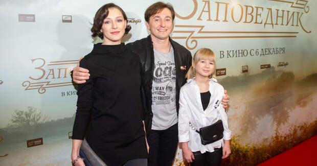Безруков и внучка Евстигнеева представили совместный фильм