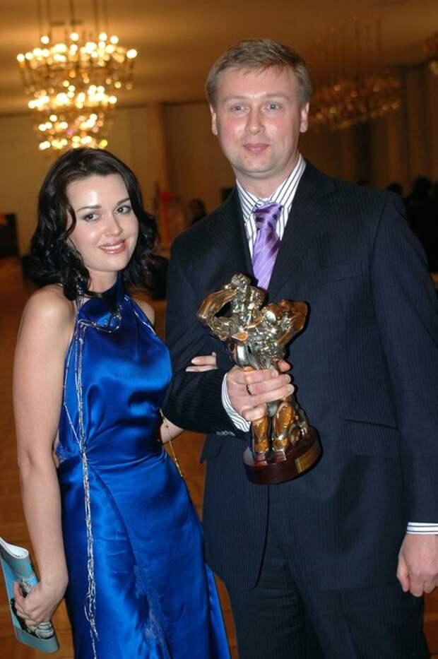 Российские знаменитости, пережившие семейное насилие