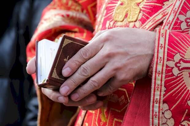 Российские священники создали группу «специального назначения» для выезда к больным с коронавирусом