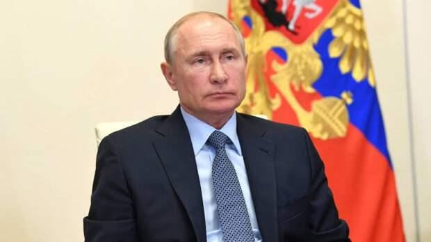 Путин назвал фантасмагорией дискуссию о правах мужчин и женщин на Западе