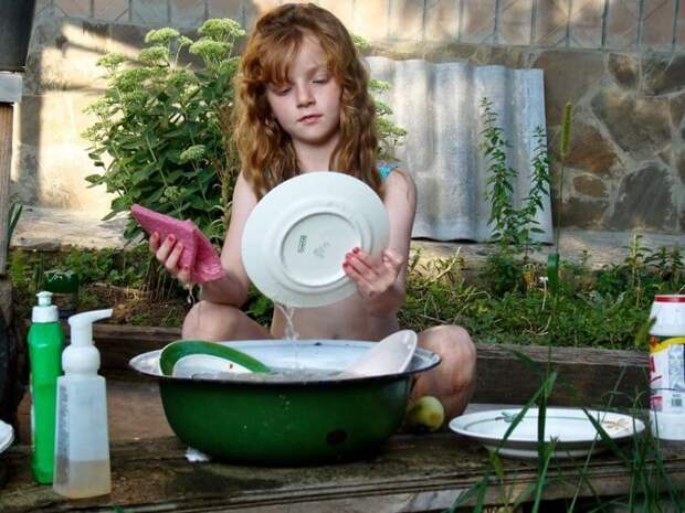Почему нельзя мыть посуду в гостях?