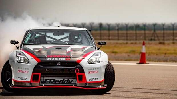 Nissan GT-R Nismo додрифтовался до мирового рекорда