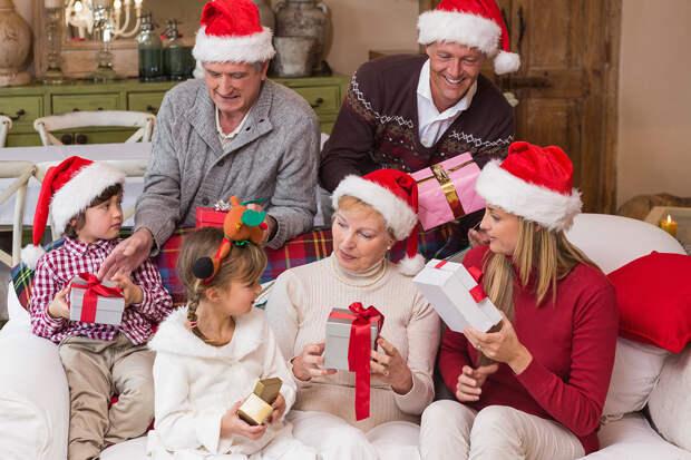 Что подарить на Новый год большой семье, друзьям и близким