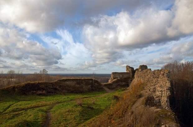 Копорскую крепость предложили взять в аренду
