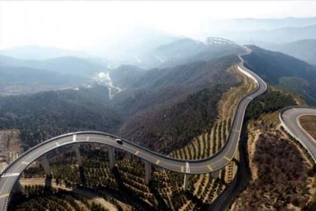 Вне законов физики — в Китае построили небесную дорогу (+видео)