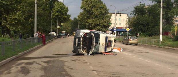 Один из пострадавших в ДТП с участием машины скорой помощи в Керчи скончался в больнице