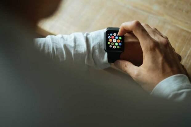 Умные часы обнаруживают вирусную инфекцию еще до того, как проявляются симптомы: исследование