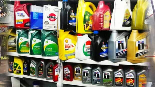 Стоит ли быть начеку, если моторное масло стоит в гипермаркете дешевле, чем в автомагазине?