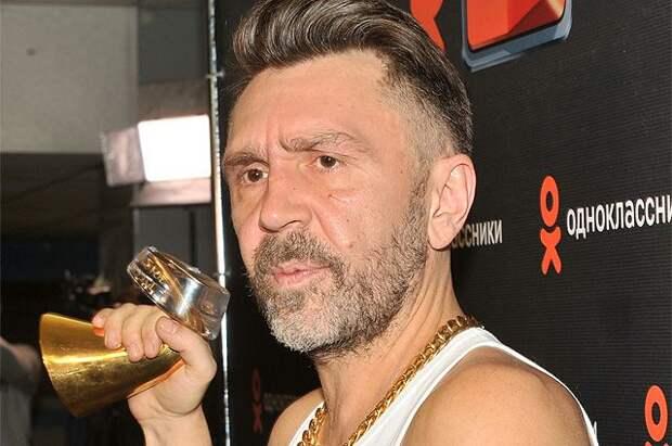 Шнуров назвал Михайлова «странным шмелём» за ложь о музыкантах