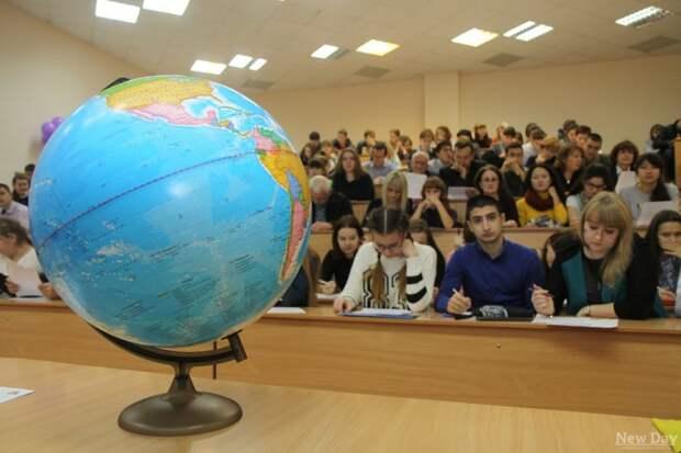На двух площадках САО напишут «Географический диктант»