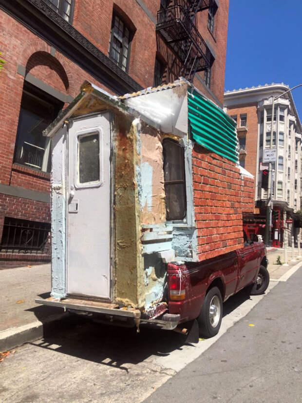 Домик на колесах всего за 3 тысячи долларов в месяц. | Фото: Тролльно.