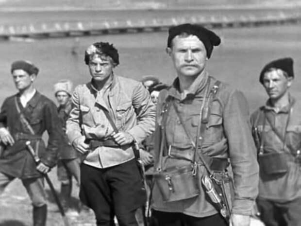 Кадр из фильма *Чапаев*, 1934   Фото: kino-teatr.ru