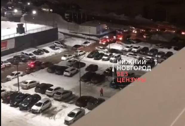 Спасатели не смогли подъехать к месту пожара из-за припаркованных машин в ЖК «КМ Анкудиновский парк»