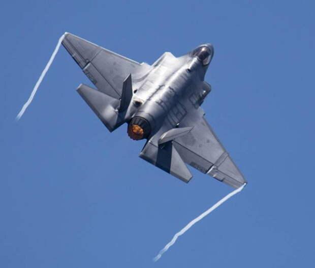«Полёты на F-35 заменят нам по цене полёты в космос»: поляки комментируют стоимость часа эксплуатации истребителя пятого поколения