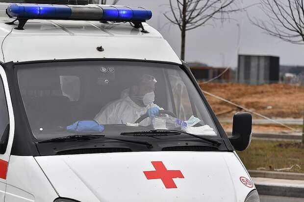 Записки медсестры из «Коммунарки»: Пациент хрипит: «Да ладно, нет же никакого вируса, это все придумали…»