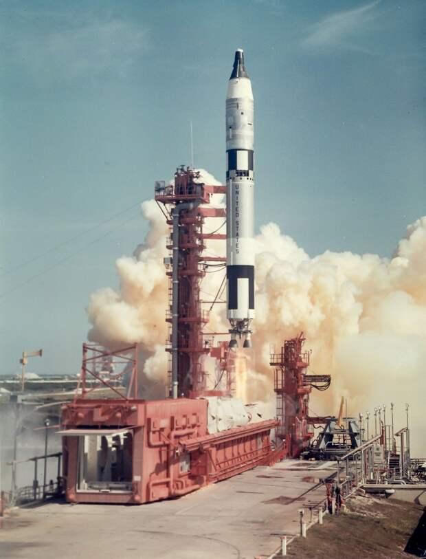 34. 1965, 21 августа.  Запуск на мысе Кеннеди «Джемини»-5