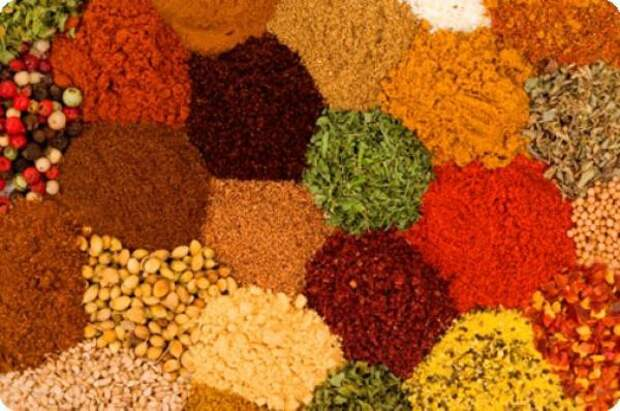 Карри. Индийская приправа карри улучшает вкус многих блюд, но гурманы могут поплатиться за удовольствие неприятным ароматом, исходящим от кожи. запах, продукты, факты, человек