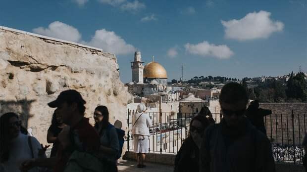 Израиль без масок: почему в стране ослабляют ограничения и как реагируют граждане