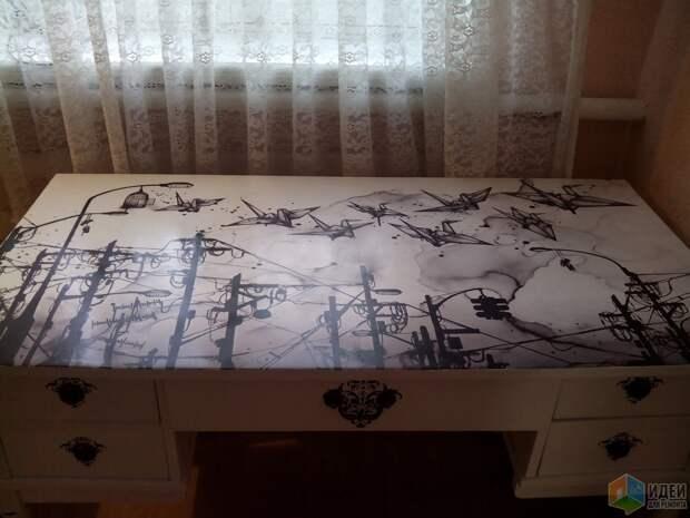 Стол для комнаты девочки,  декупаж своими руками