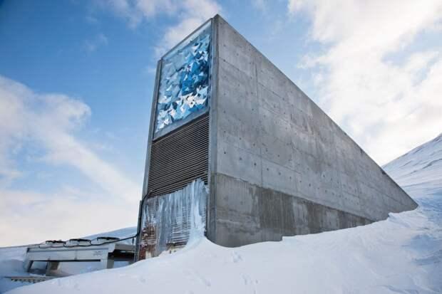 7 впечатляющих фото бункера в Арктике, который поможет нам пережить апокалипсис