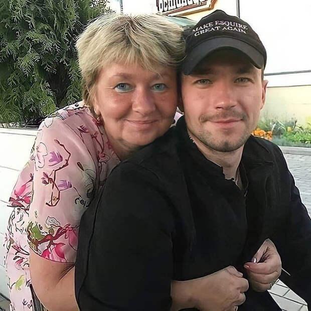 Мама Саши Петрова: «Люди смеются над тем, как я одета, что хожу без макияжа»