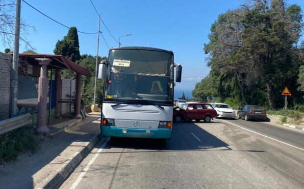 Человек погиб в новом ДТП на дороге Ялта - Севастополь