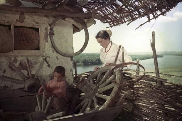 Лучшие образы Элины Быстрицкой в кино