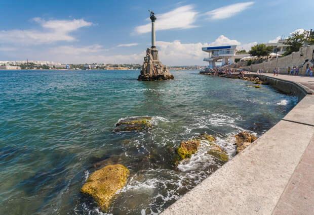В  Севастополе пожилых людей без прививки обязали самоизолироваться