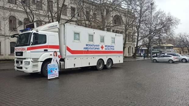 Более 495 тыс. жителей Петербурга вакцинировались от коронавируса