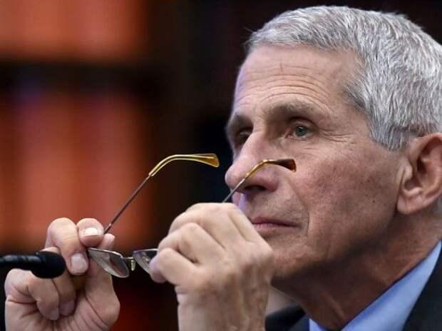 Главный инфекционист США оценил сроки возвращения к нормальной жизни