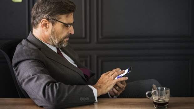 """IT-специалист Тимофеев назвал способ вернуть """"скорость"""" смартфону"""