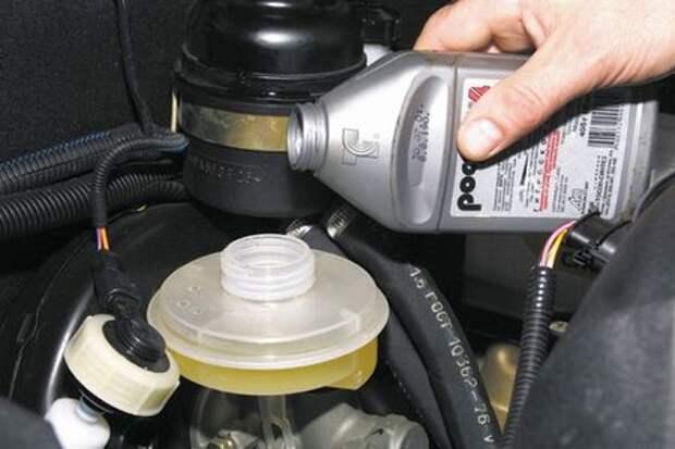 Сhevrolet Niva: меняем жидкость в гидроприводе тормозов