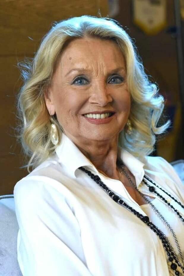 Красотка из 60-ых Барбара Буше