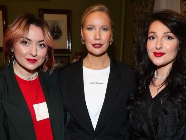 Сравнила Ларису Удовиченко и ее ровесниц в наше время: современные женщины выглядят моложе, и я догадываюсь почему