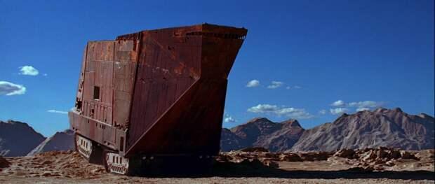 Песчаный корабль джавов из Star Wars. Он действительно существует