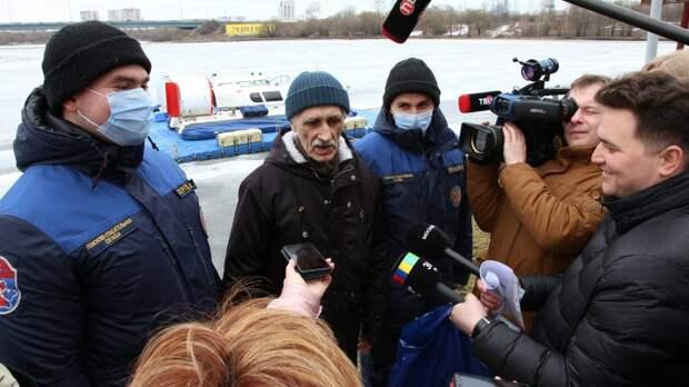 На канале имени Москвы спасли мальчика и пенсионера