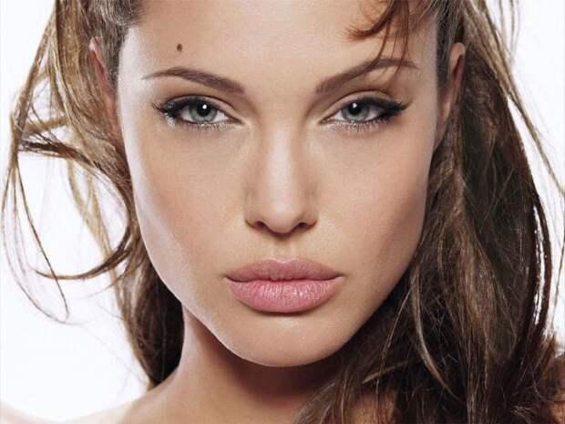 Анджелина Джоли (Angelina Jolie) - Фотосессия для журнала Premiere (октябрь 2004) Фотографии знаменитостей - Starer
