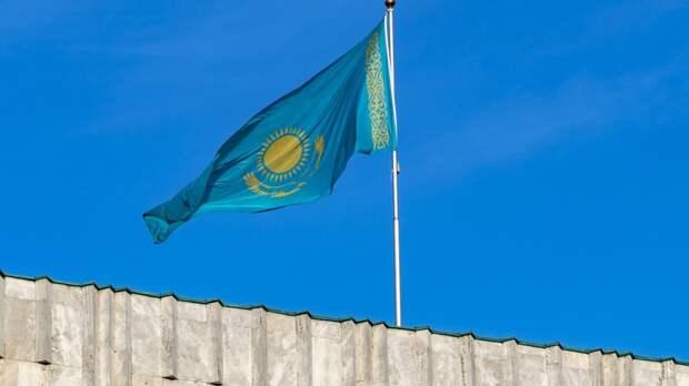 """В Казахстане устроили """"холодный душ"""" для русских. И для генералов, и для министра"""